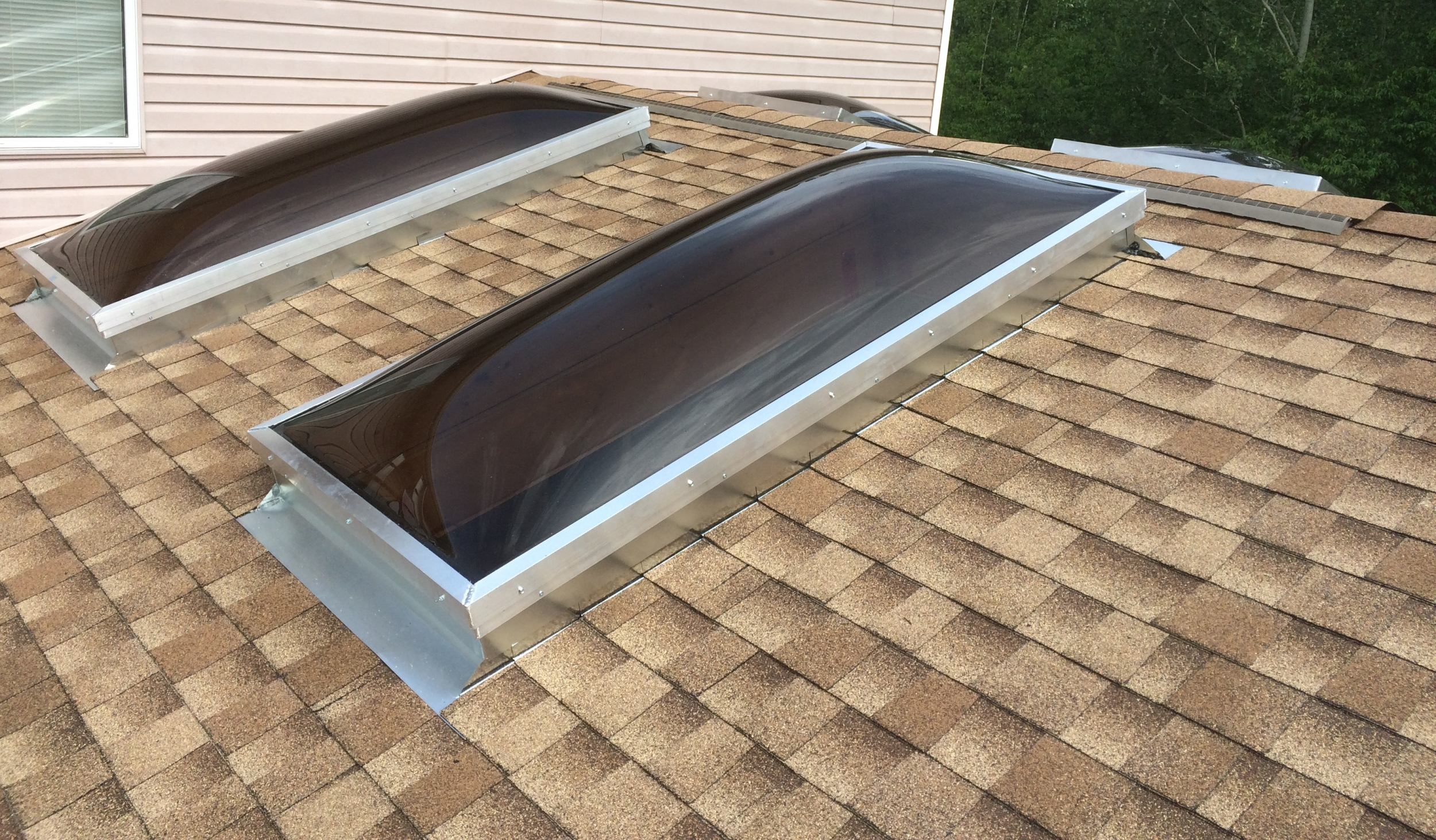Contract titan s roofing for How to clean velux skylights