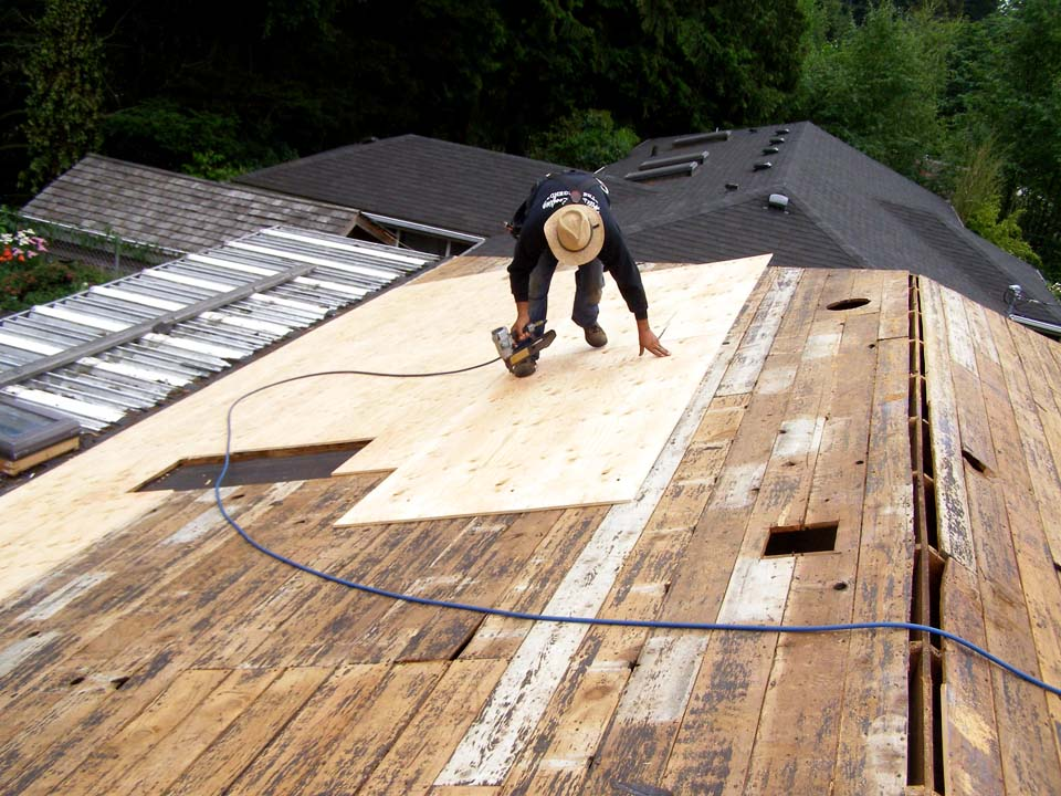 Contract Titan S Roofing